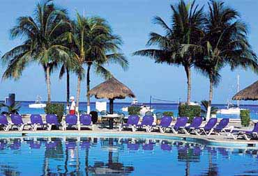 VIew of the Occidental Allegro Swimming Pool in Cozumel